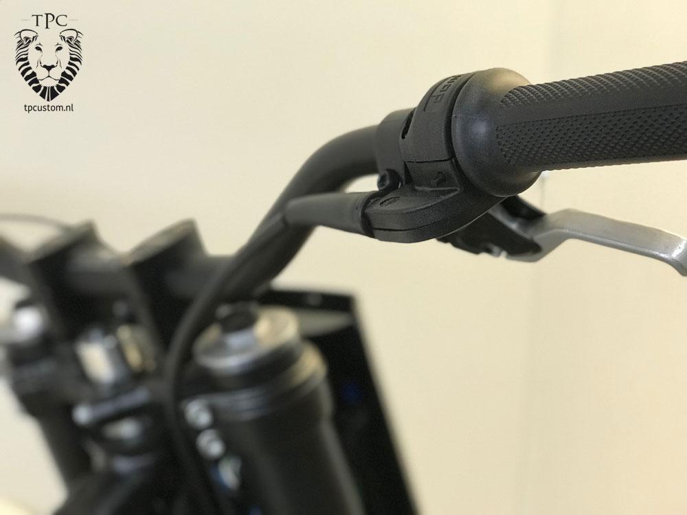 Clean handlebar micro start button